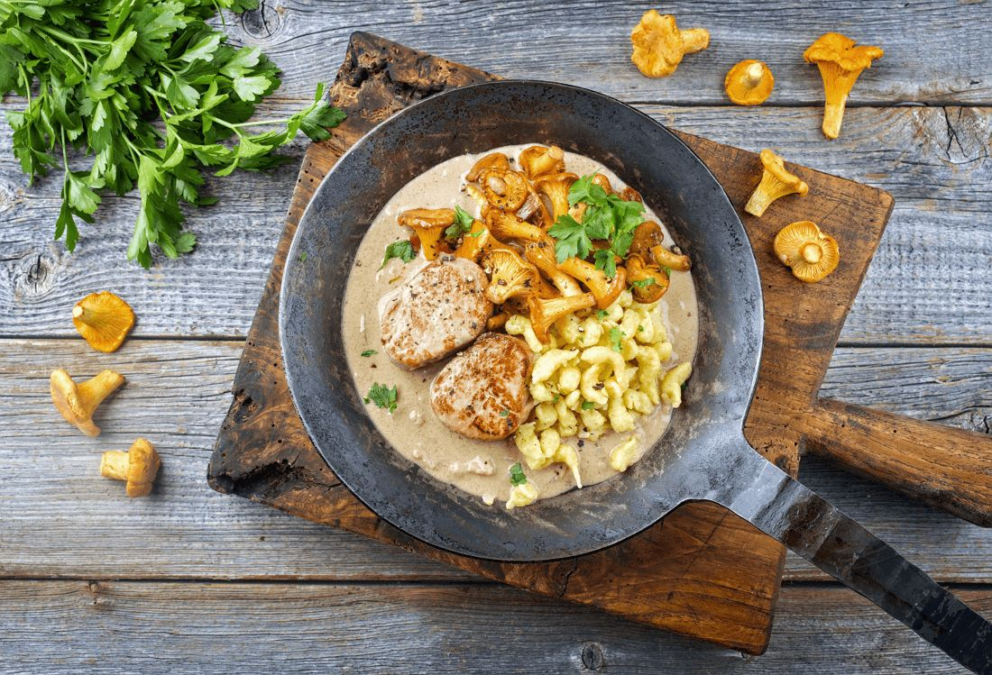 Grilled pork loin with chanterelle sauce